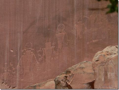 Petroglyphs Capitol Reef 071